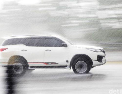 Cara Mudah Merawat Mobil Coating Setelah Diguyur Hujan